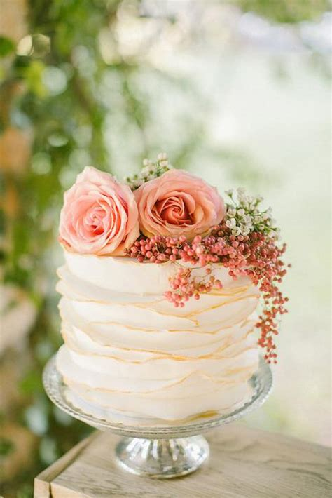 25 CUTE SMALL WEDDING CAKES FOR THE SPECIAL OCCASSION